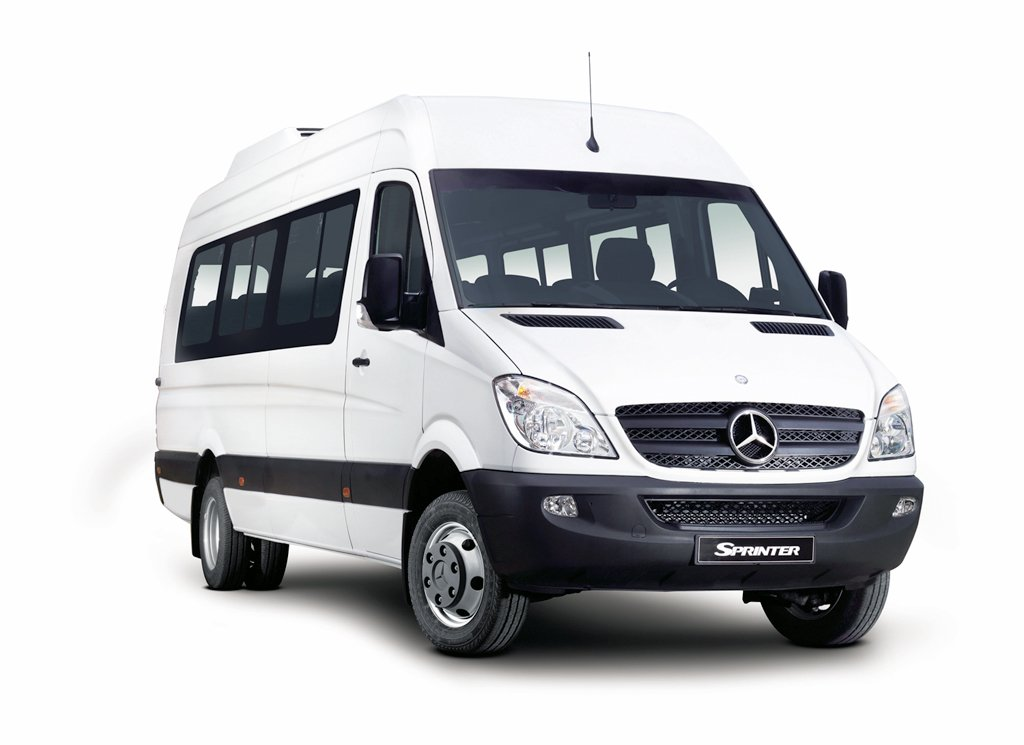 Nueva-Mercedes-Benz-Sprinter-mini-bus-19+1