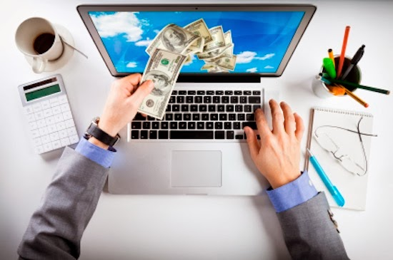 ¿Se puede ganar dinero por internet?