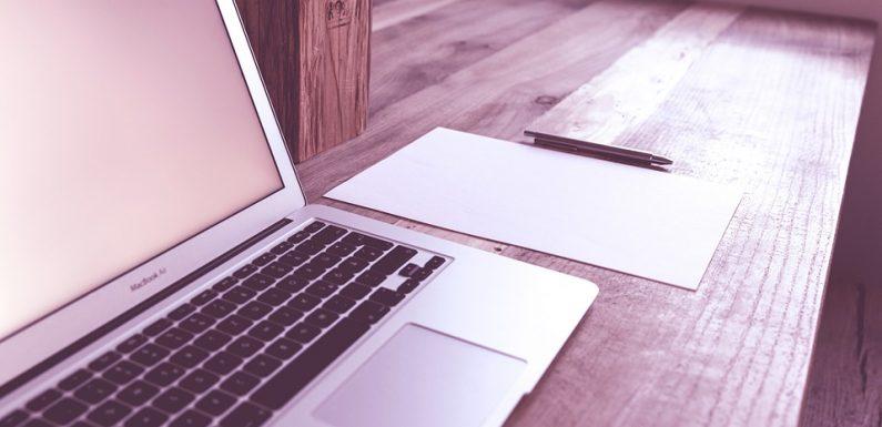 Cómo iniciar una venta en línea de material de escritorio